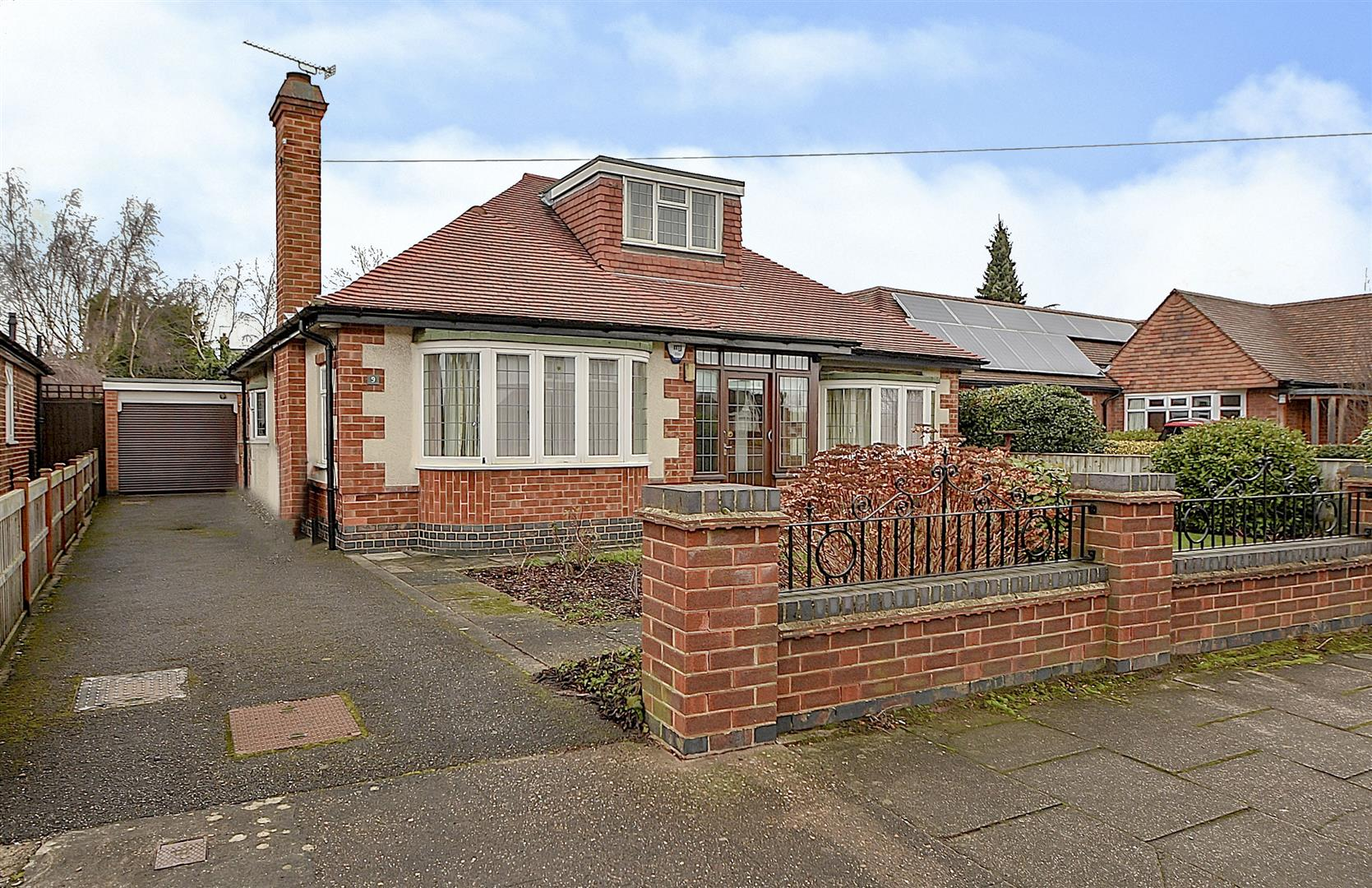 2 Bedrooms Detached Bungalow for sale in Hillside Drive, Long Eaton